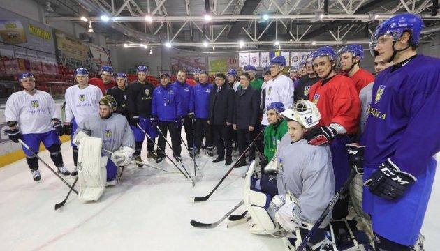 Віце-прем'єр Кириленко відвідав відкрите тренування хокейної збірної України