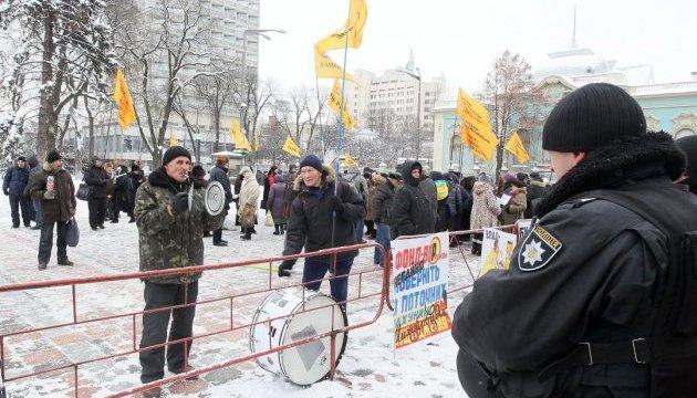 Полиция не позволила митингующим перекрыть Крещатик и Институтскую