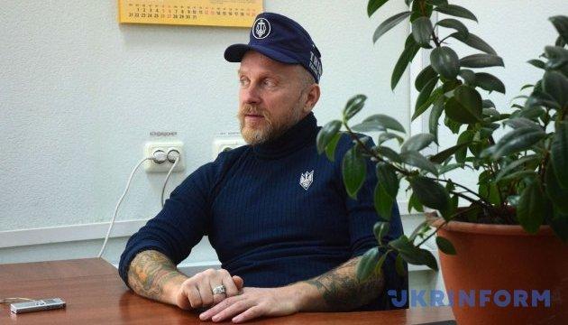 У Києві Антін Мухарський презентував альманах з есе 30 відомих українців