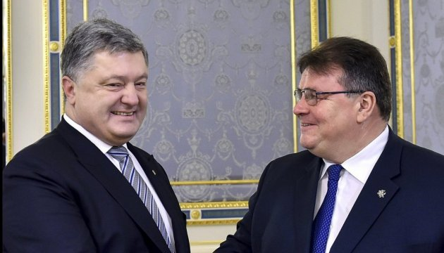 Порошенко обсудил с Линкявичусом евроинтеграцию и ситуацию на Донбассе