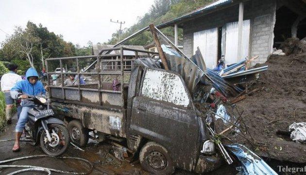 В результате оползней на Бали погибли 12 человек