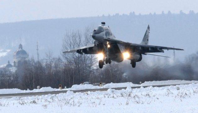 Как тренируются военные летчики на Прикарпатье