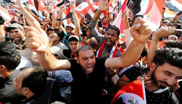 Протестующие подожгли крышу посольства США в Багдаде