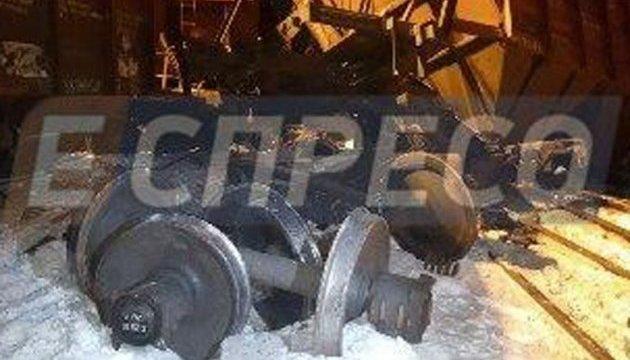 В Киеве столкнулись два грузовых поезда