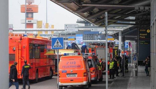 Аэропорт Гамбурга закрывали из-за перечного газа