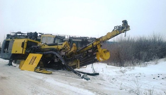 На Кировоградщине поезд столкнулся с 25-тонной буровой установкой