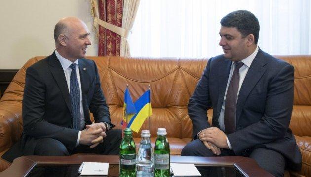 Гройсман: Есть перспективы по экспорту электроэнергии в Молдову