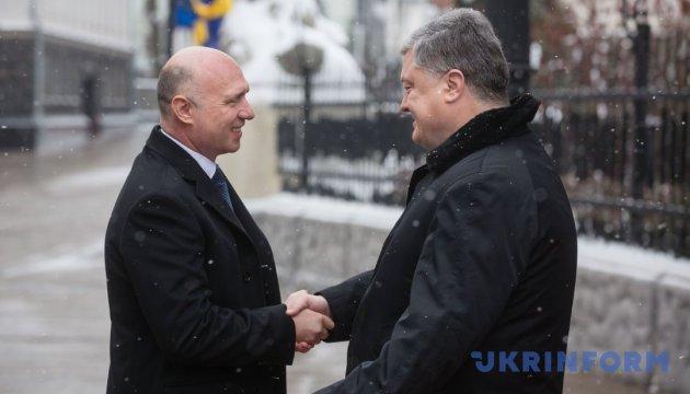 Порошенко встретился с премьером Молдовы