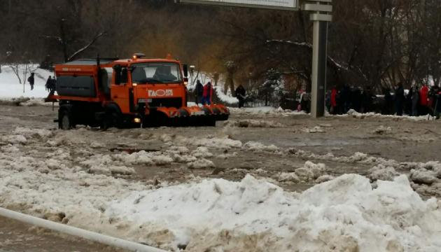 Через масштабну аварію центр Вінниці залило водою
