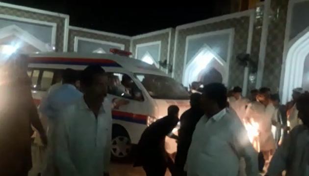 Після теракту в пакистанському храмі ліквідували сотню бойовиків - ЗМІ