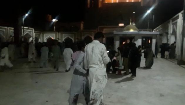 Вибух у Пакистані забрав життя вже 72 осіб, відповідальність взяла ІДІЛ