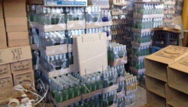 Полиция разоблачила подпольный цех, где разливали водку