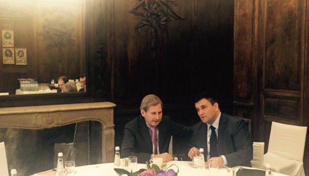 Хан заверил Климкина, что ЕС делает все возможное для безвиза