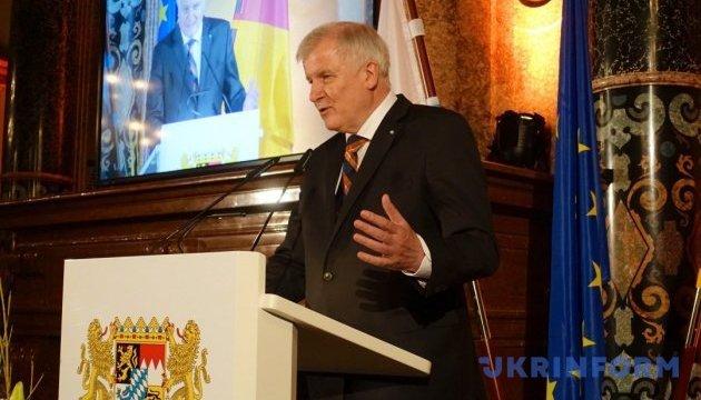 Глава МВС Німеччини представив свій план щодо біженців