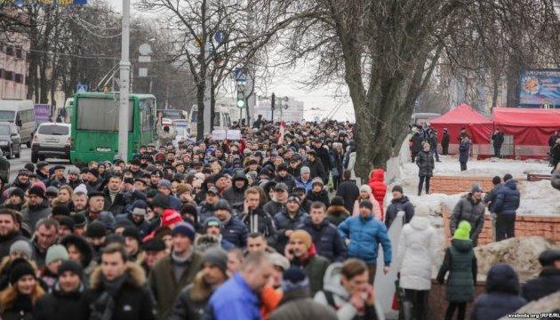 Беларусь: в Гомеле сотни людей протестовали против «налога на тунеядство»