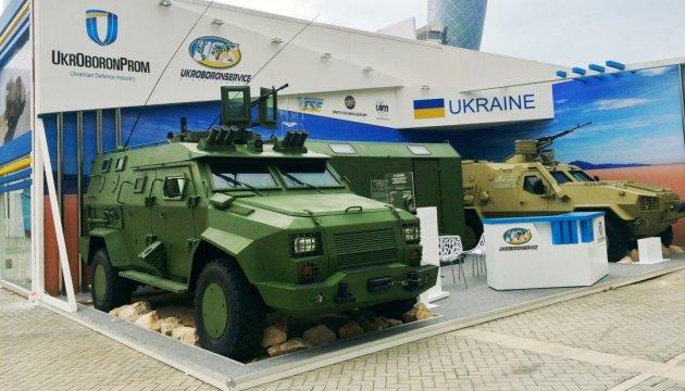 Украина привезла в ОАЭ беспилотные технологии, управляемые ракеты и бронемашины