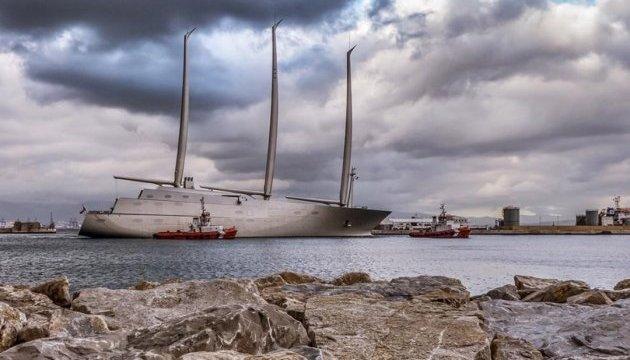 В Гібралтарі арештували найбільшу в світі яхту, що належить мільярдеру з РФ