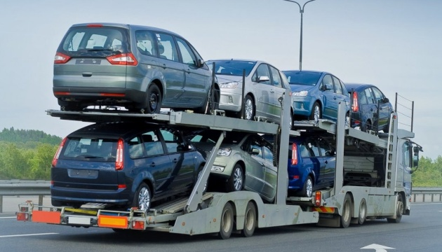 Украинцы стали покупать меньше легковых автомобилей