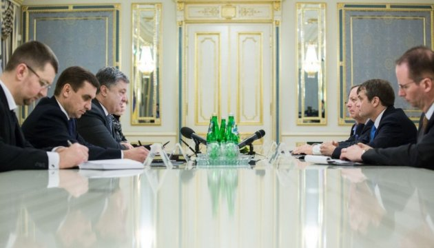 President Poroshenko discusses support for Ukraine with US Congress representatives
