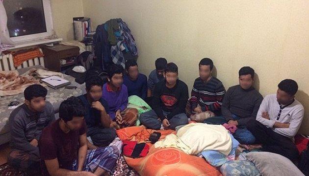 Столична поліція затримала нелегалів з Бангладеш
