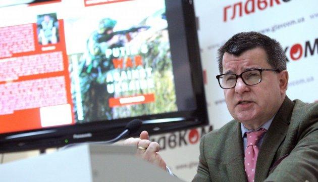 Британець видав книгу про російську агресію в Україні