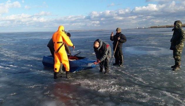 Як рятували рибалку з криги на Дніпрі