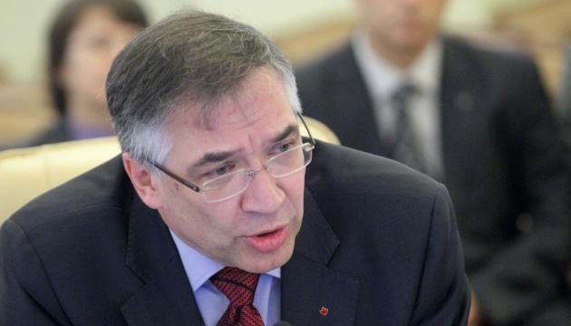 Експосол застерігає Україну від наївного сподівання на іноземних партнерів