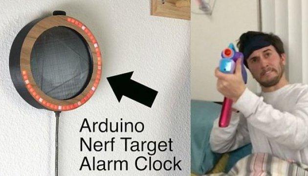 Инженер создал будильник, который можно расстрелять