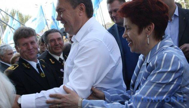 Янукович каже, що розлучився з дружиною