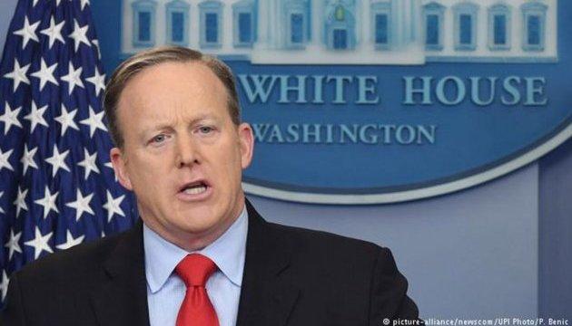 Politico: Білий дім нервово шукає