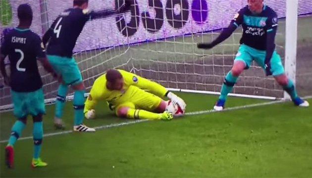 Голландський голкіпер став автором безглуздого голу у власні ворота