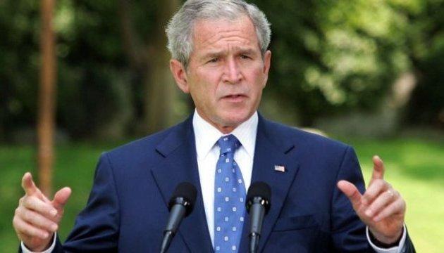Буш-молодший закликає розслідувати зв'язки команди Трампа з Росією