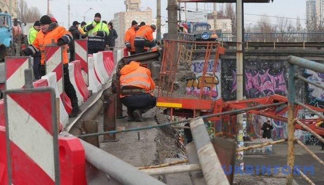 Рух на Шулявському мосту обмежать, водіям пропонують схему об'їзду