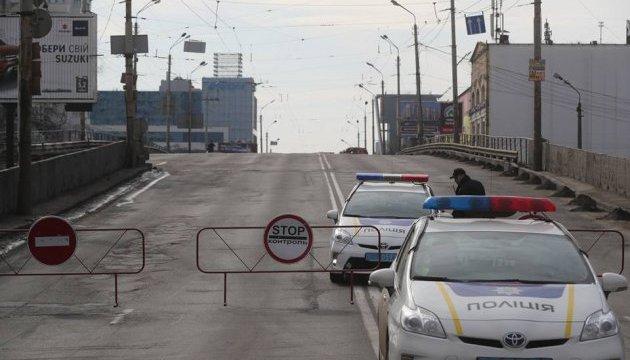 По Шулявському мосту прогнали 40-тонні вантажівки
