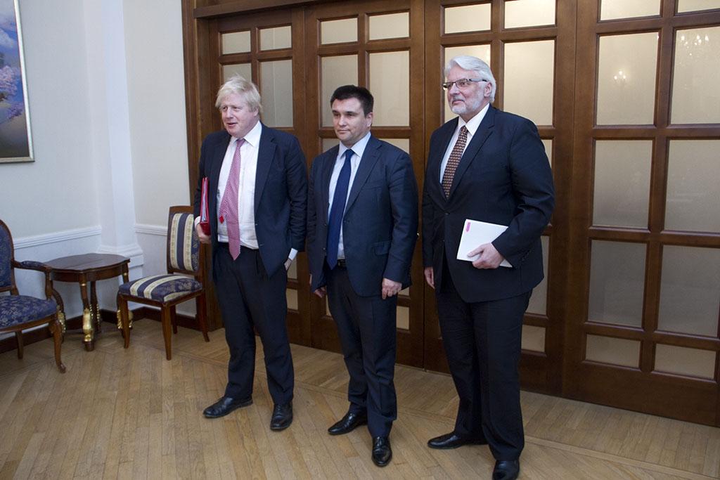 Міністри закордонних справ Великої Британії, України і Польщі: Борис Джонсон, Павло Клімкін і Вітольд Ващиковський