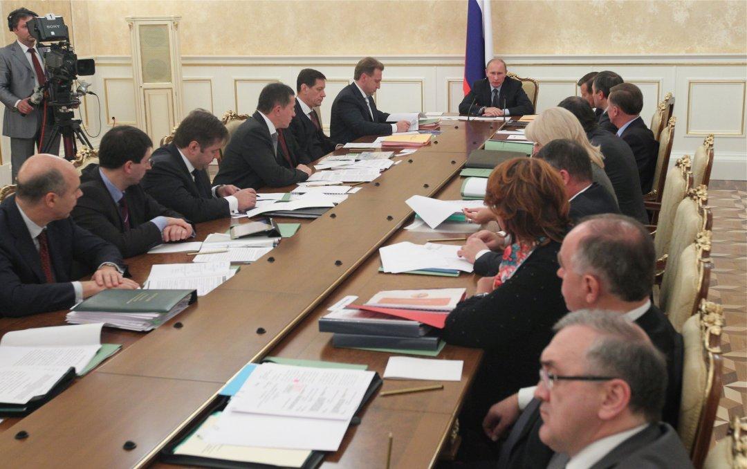 Президент РФ Володимир Путін на засіданні уряду