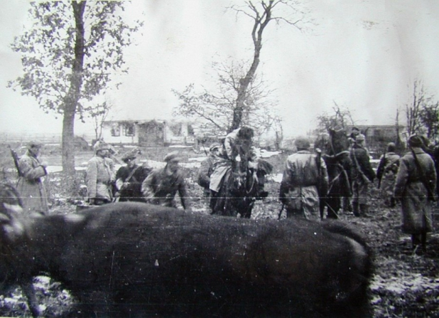 Бійці Армії Крайової під час акції зі знищення села Сагринь