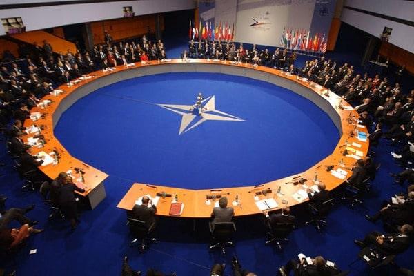 НАТО - це 30 держав