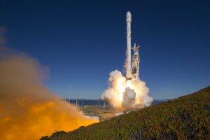 Ракета SpaceX разбилась в море после вывода на орбиту 60 спутников