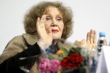 Presidente felicita a Lina Kostenko con motivo de su cumpleaños