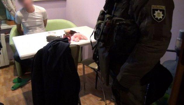 У Києві затримали банду квартирних шахраїв
