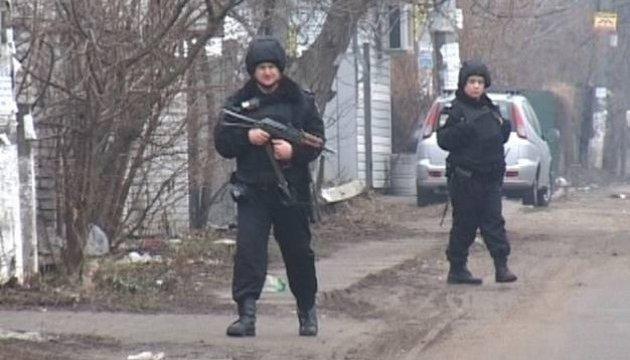 Викрадення на Троєщині: злочинець переховується на Русанівських садах