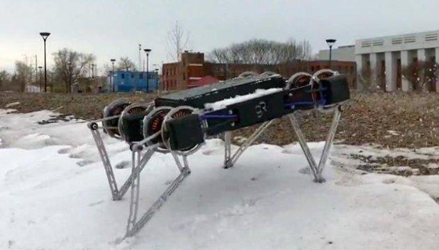 Випробування: робота Minitaur прогнали по льоду, траві та камінню