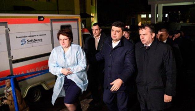 Прем'єр-міністр провідав постраждалих шахтарів у міській лікарні Червонограда