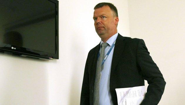 Vizechef der OSZE-Beobachtermission Alexander Hug reist in besetze Gebiete der Ostukraine