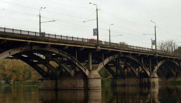 У Вінниці - транспортний колапс через ремонт мосту