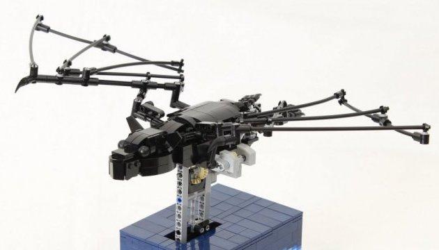 Из Lego создали подвижную модель летучей мыши