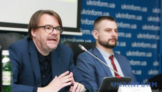 Адвокаты Абдуллаева заявляют, что в Узбекистане его могут убить