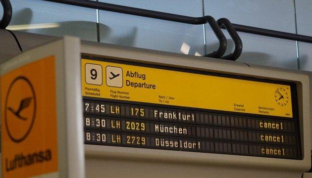 Забастовка в берлинских аэропортах повлияла на 650 рейсов