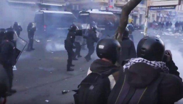 Визит лидера правой партии в Неаполь вызвал столкновения с полицией